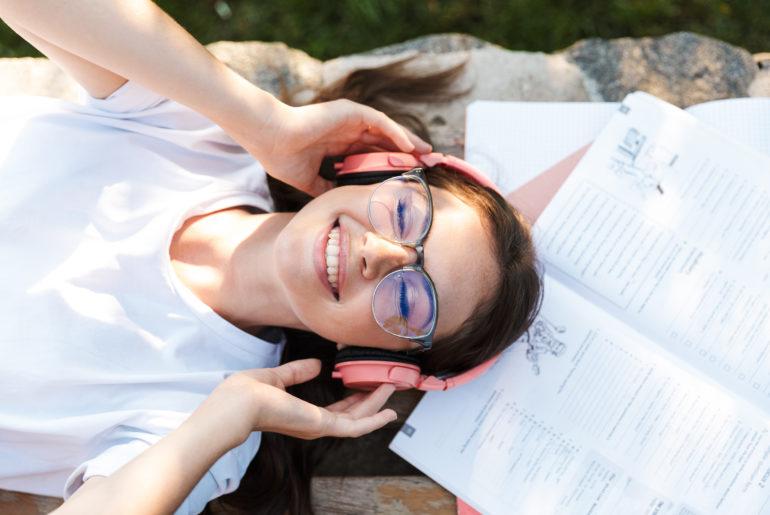 Sprachenlernen mit Hörbüchern und Audiokursen